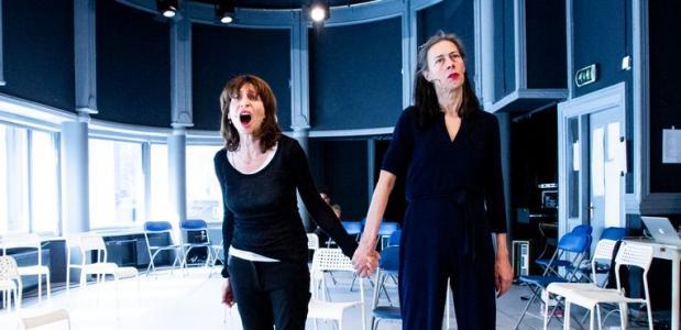 Lineke Rijxman (links) en Adelheid Roosen in Rijsen & Rooxman, de dikke Muiz & Sjors