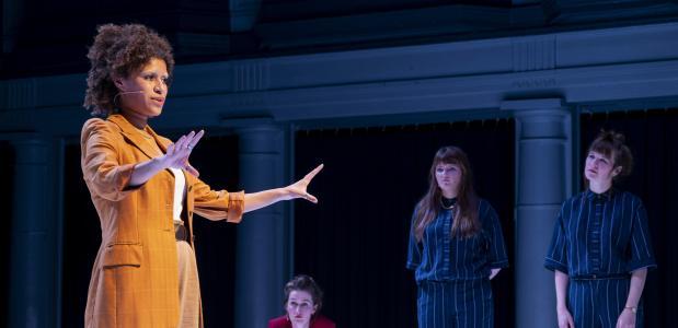 De performance van de Vlaamse Musia Mwankumi als vertegenwoordiger van de toekomst is sterk en ontroerend. Foto: Karin Jonkers