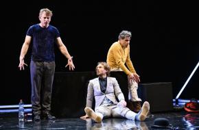 Waldemar Torenstra, Thijs Römer en Frederik Brom in Art