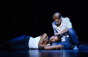 Freek Bartels en Danique Graanoogst als Harry en Meghan, foto: Roy Beukser en Annemieke van der Togt