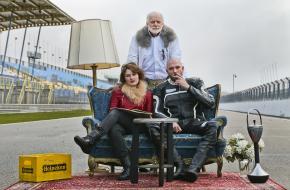 Deel van de cast van Jumping Jack: Matteo van der Grijn, Julia van der Vlugt en Genio de Groot. Foto: Miranda Drenth