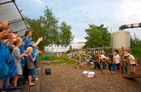 Het briljante Studio Orka op Festival Boulevard in Den Bosch; foto: Karin Jonkers