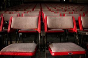 Een bezoek aan het theater waard.