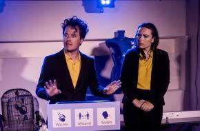 Blauwe Vinkjes is een innemend duo met een hoog tempo; foto: Lisette Zeegers